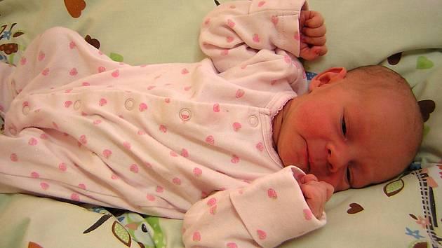 Julie Tvrdíková se poprvé na svět podívala 11. června 2019 ve 22:22 hod v čáslavské porodnici. Pyšní se mírami 3140 gramů a 52 centimetrů. Domů do Bohdanče si ji odveze maminka Marcela, tatínek Ondřej a dvouletý bráška Ondrášek.