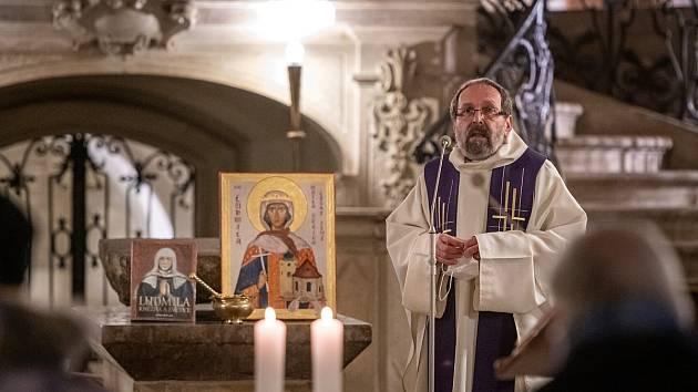 Mše se slavnostním uvedením monografie Ludmila – Kněžna a světice v bazilice sv. Jiří na Pražském hradě.