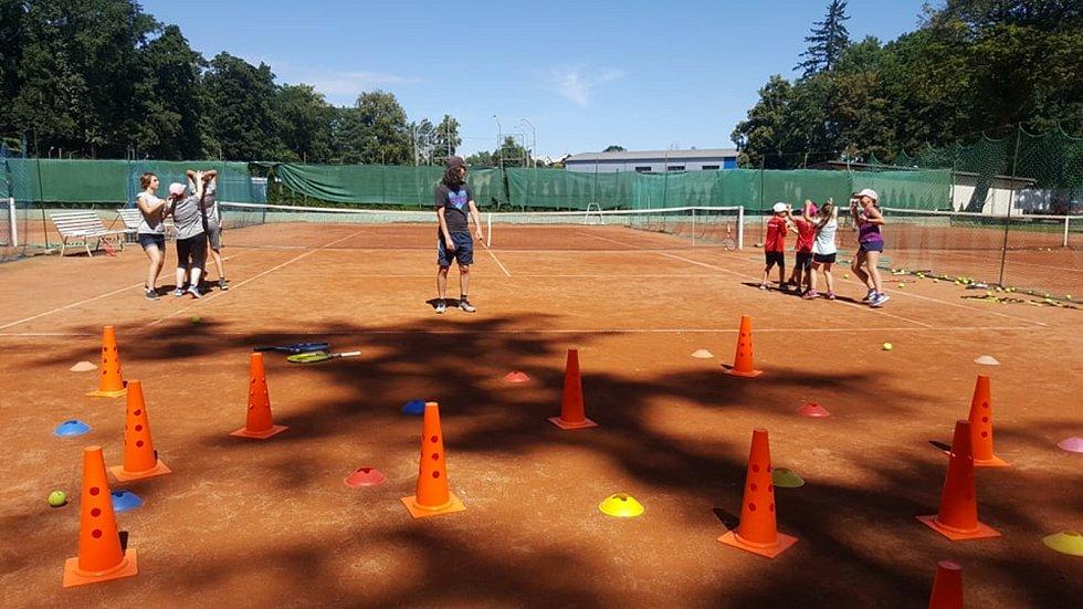 Příměstský tenisový tábor tenisového oddílu V-Team Čáslav.