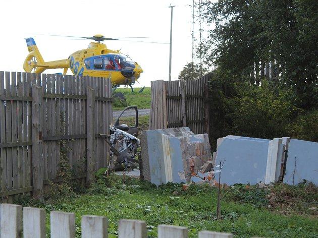 Dopravní nehoda v Neškaredicích ve středu 3. října 2018.