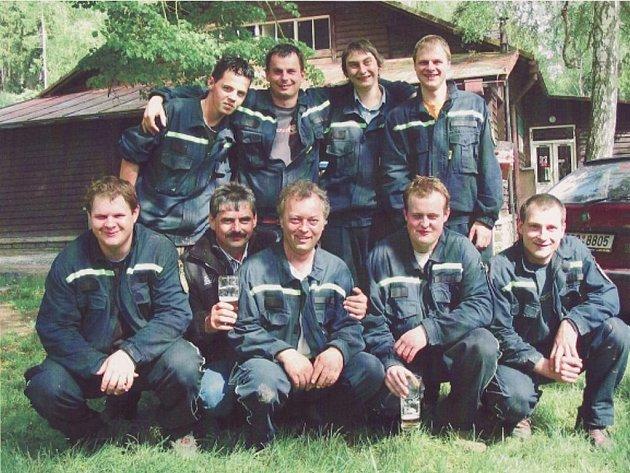 Členové Sboru dobrovolných hasičů Vlková.