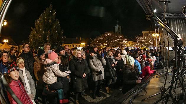 Z rozsvícení vánočního stromu Kutné Hoře.