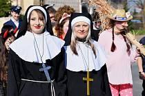 Masopustní průvod prošel v sobotu 30. března Suchdolem u Kutné Hory.