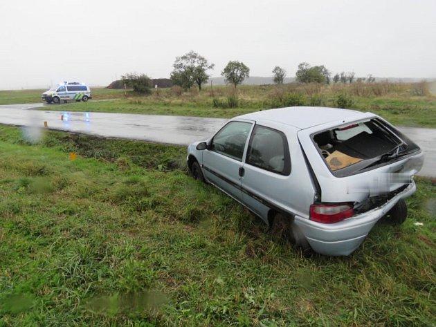 Dopravní nehoda u obce Čekánov.