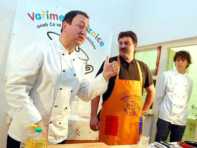 Hostem kulinářské talk-show v Mozaice byl policejní mluvčí Daniel Votroubek. 7.12.2010