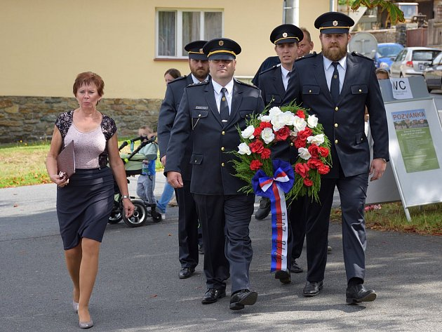 Oslavy 700. výročí obce v Čestíně.