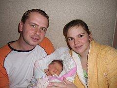 Monika Šimčíková se narodila 21. února v Čáslavi. Vážila 3750 gramů a měřila 50 centimetrů. Doma v Kutné Hoře ji přivítali maminka Lucie, tatínek Jiří a sestra Klárka.