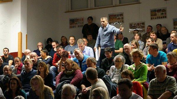 Debata ostavbě zemělodi vKutné Hoře