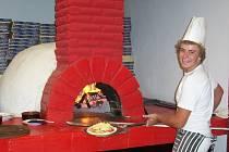 V Řecku si kutnohorští kuchařští učni vyzkoušeli místní gastronomii.