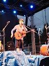 Kulturní léto v GASK ukončila kapela Jelen a písničkář Voxel.