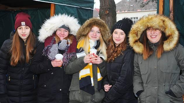 Vánoční trhy odstartovaly adventní čas v Uhlířských Janovicích.