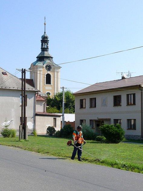Údržba veřejných prostranství v Chotusicích