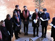 Cantica odehrála adventní koncert v kostelíku sv. Bonifáce v Lochách.