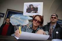 Z petiční akce v Kutné Hoře za odstoupení premiéra Andreje Babiše a ministryně spravedlnosti Marie Benešové.