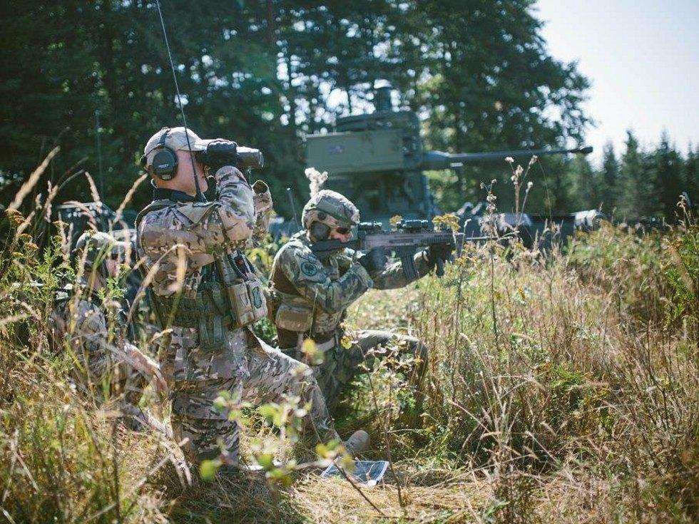 Mezinárodní taktické cvičení Ample Strike 2020 je zaměřeno na sladění činností jednotek na zemi a ve vzduch.
