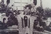 Pan president T.G.Masaryk navštívil Čáslav 23. září 1922. Pozdravil se s občany před radnicí.
