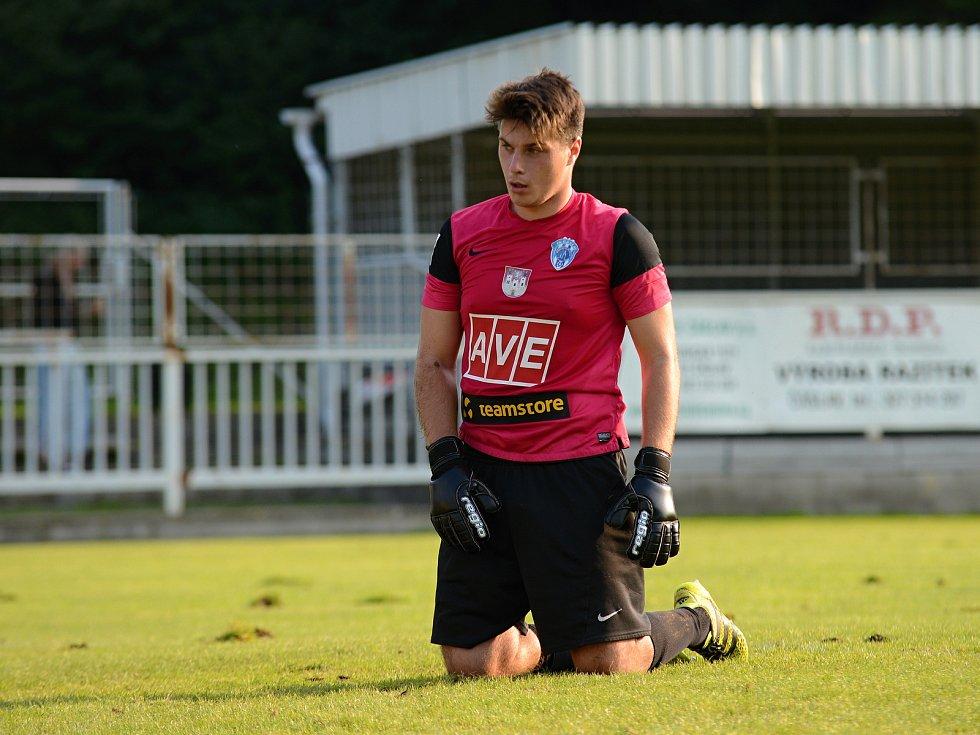 Ve třetím kole Divize C prohráli fotbalisté Čáslavi doma s Živanicemi 0:1.