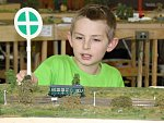 Výstava modelů železničních tratí a modelů vlaků v tělocvičně Základní školy ve Vrdech.