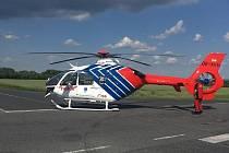 Záchranářský vrtulník u dopravní nehody nedaleko Košic v pondělí 22. června 2020.