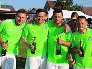 Fotbalisté Hlízova porazili Paběnice a vrhli se do postupových oslav.