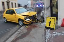 Autonehoda ve Štefánikově ulici u pekárny 5. února 2014