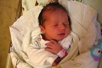 Adéla Sopuchová se narodila 25. února 2019 v 1.40 hodin v Čáslavi. Vážila 2800 gramů a měřila 48 centimetrů. Domů do Zdechovic si ji odveze maminka Veronika, tatínek Petr a devatenáctiletý bratr Jakub.