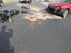 Střet motocyklu s osobním automobilem