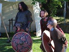 Děti se na dětském dnu v Hlízově setkaly s šamanem a Vikingy