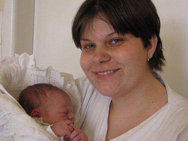 Marek Dobeš se narodil 24. února v Kutné Hoře. Vážil 3250 gramů a měřil 50 centimetrů. Domů do Kutné Hory si ho odvezli maminka Lenka a tatínek Miroslav.