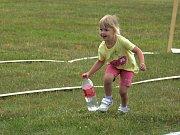 Děti z mateřinek soutěžily při olympiádě.