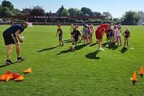 Sportovní den dvou oddílů se konal i na fotbalovém stadionu v Lorci.