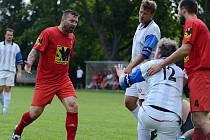 Tomáš Řepka nastoupil k prvnímu soutěžnímu utkání za Červené Janovice ve III. třídě na Kutnohorsku na hřišti Viktorie Sedlec B.