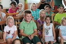 Pohádkové odpoledne v Zehubech s Čertovskou pohádkou v podání Divadla Studna.