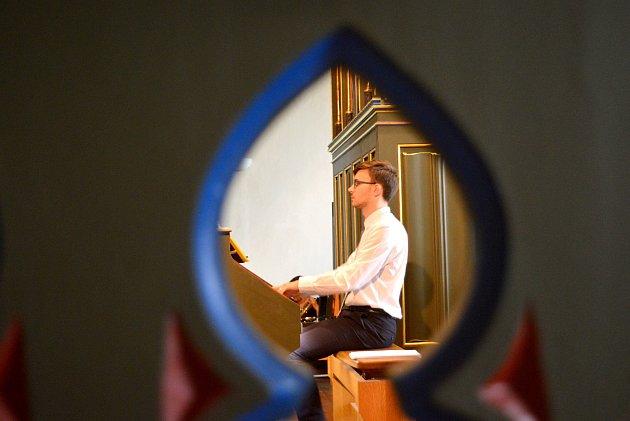 Na koncertě v kostele svatých Petra a Pavla v Čáslavi zněly varhany i trubka.