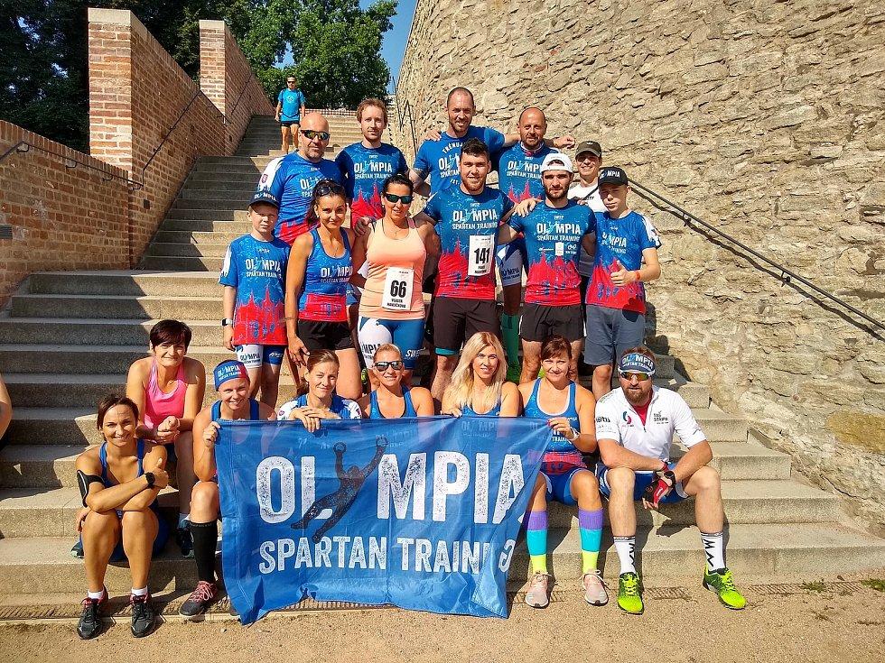 Olympia Spartan Training doběhl na Dačického 12 2020 druhý v týmech a má nejlepšího Kutnohoráka Jakuba Vrbenského a Kutnohoračku Katku Lebedovou.