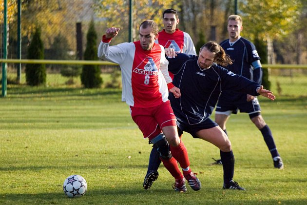 Z utkání I. B třídy Paběnice - Ostrá 0:3, sobota 1. listopadu 2008