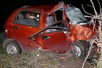 Tragická dopravní nehoda mezi Vidicemi a Mezholezy. O život přišla sedmadvacetiletá žena z Nepoměřic.