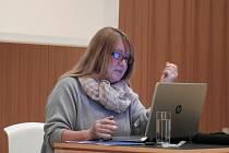Z přednášky Jarmily Valentové v Čáslavi o archeologické lokalitě Bylany.