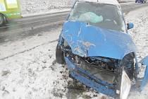 Dopravní nehoda mezi kutnohorským Karlovem a Církvicí.