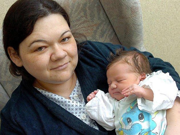 Hana Schulzová se narodila v Čáslavi 2. listopadu 2010. Vážila 3650 gramů a měřila 52 centimetrů. S maminkou Věrou a tátou Ondřejem se těší domů do Peček.