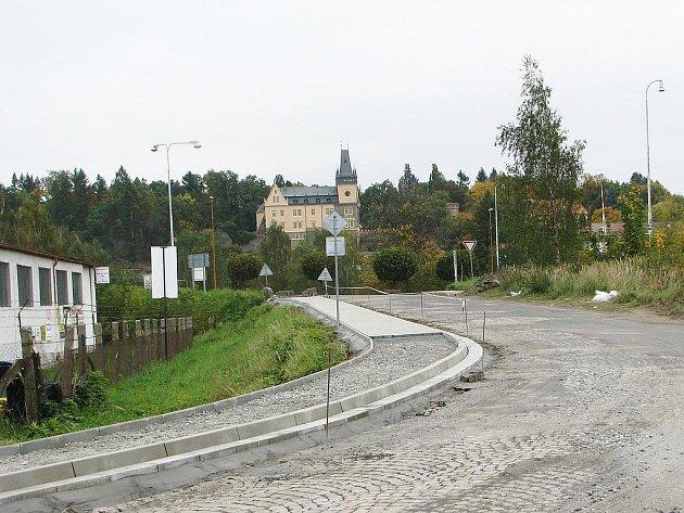 Průmyslová ulice ve Zruči nad Sázavou.
