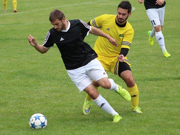 Nové Dvory vybojovaly vítězství nad Malínem až v penaltovém rozstřelu. Zápas ozdobil krásným gólem malínský Milan Antoš.