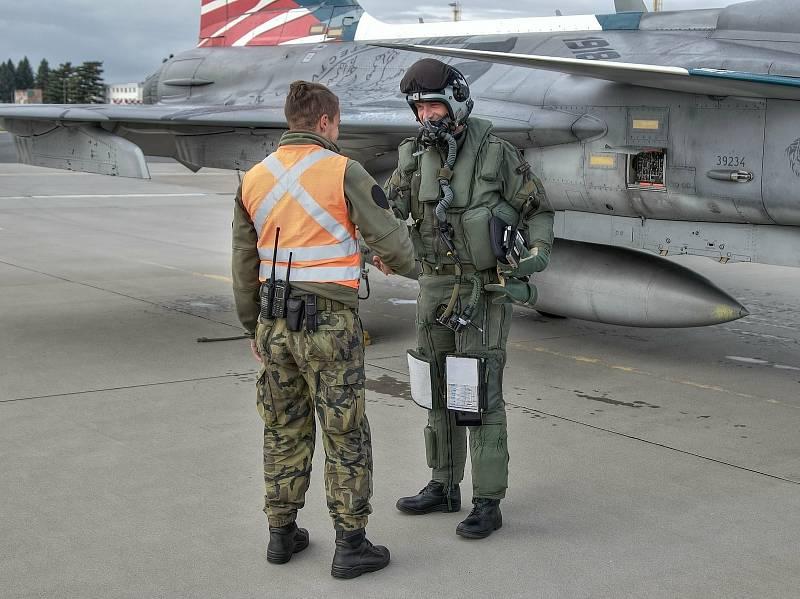 Velitel prestižní čáslavské 211. taktické letky Michal Daněk nalétal na nadzvukovém letounu JAS-39 Gripen už dva tisíce hodin.