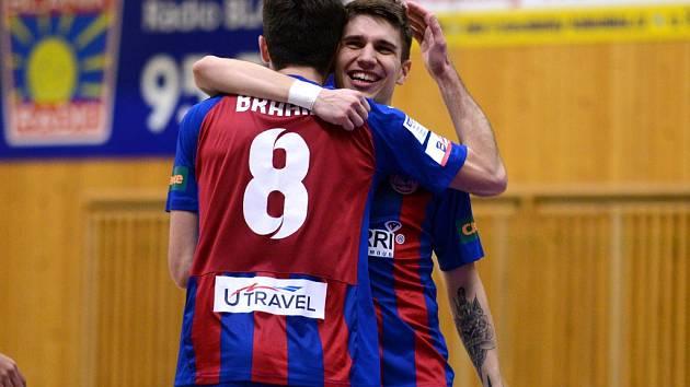 10. kolo CHANCE futsal ligy: Benago Zruč n. S. - Mados MT Hr. Králové 6:2.