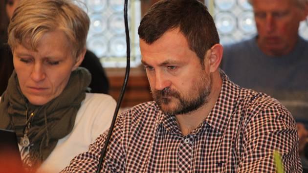 Zasedání zastupitelstva v Kutné Hoře v úterý 29. ledna 2019. Na snímku Soňa Žáčková a Tomáš Pilc.