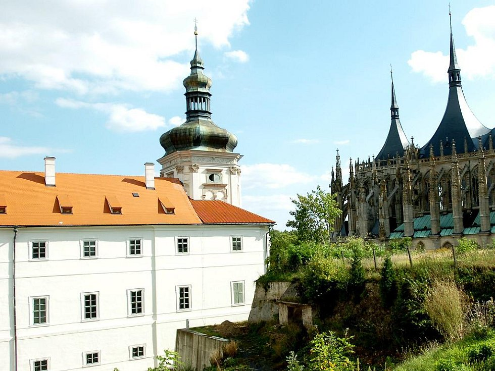 Kutnohorské perly, chrám svaté Barbory a Jezuitská kolej, nyní Galerie Středočeského kraje.