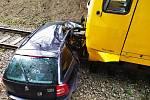Dopravní nehoda na nechráněném železničním přejezdu v Hodkově.