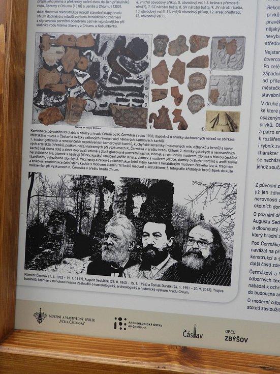 Muzejní a vlastivědný spolek Včela Čáslavská nainstaloval nový informační panel o hradu Chlum.