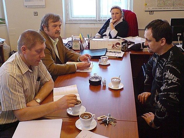Z jednání vedoucích pracovníků městské a státní policie v Kutné Hoře.