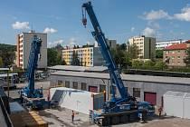 NOVÝ DIESELGENERÁTOR pro Temelín je usazen v kontejneru z Kutné Hory.